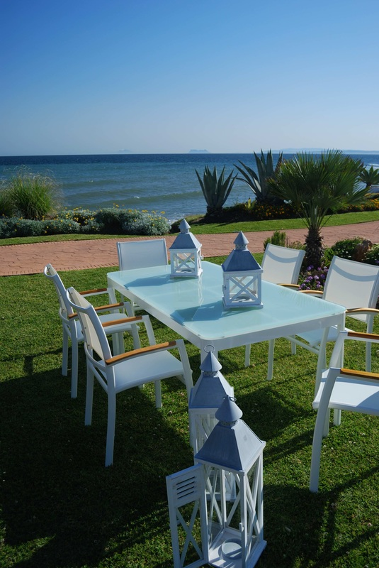 RIVA outdoor furniture set. Available at Fuengirola, Estepona, Malaga, Costa del Sol and el Puerto de Santa Maria, Cadiz stores